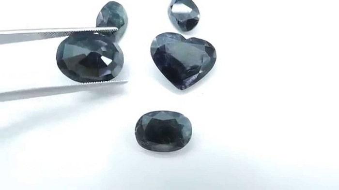 Đá Sapphire là gì và vì sao nó chinh phục được cả nhân loại?