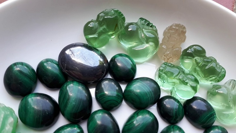đá bán quý là gì