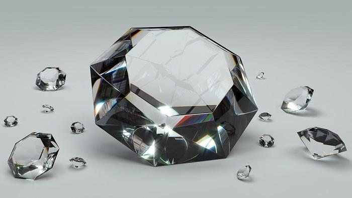 Kim cương là nữ hoàng của mọi loại đá quý