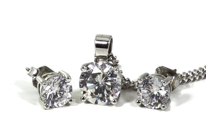 Trang sức kim cương luôn được ưa chuộng ở mọi quốc gia
