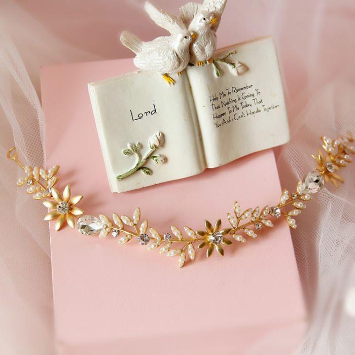 Của hồi môn được gia đình, người thân trao cho cặp đôi trong ngày cưới