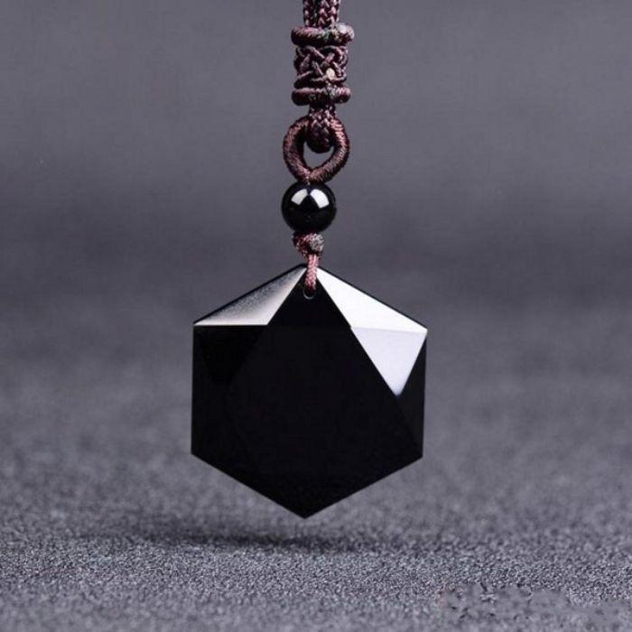 thủy tinh núi lửa Obsidian