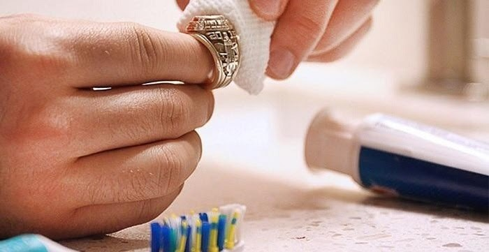 Bật mí cách bảo quản trang sức và đá quý luôn như mới 1