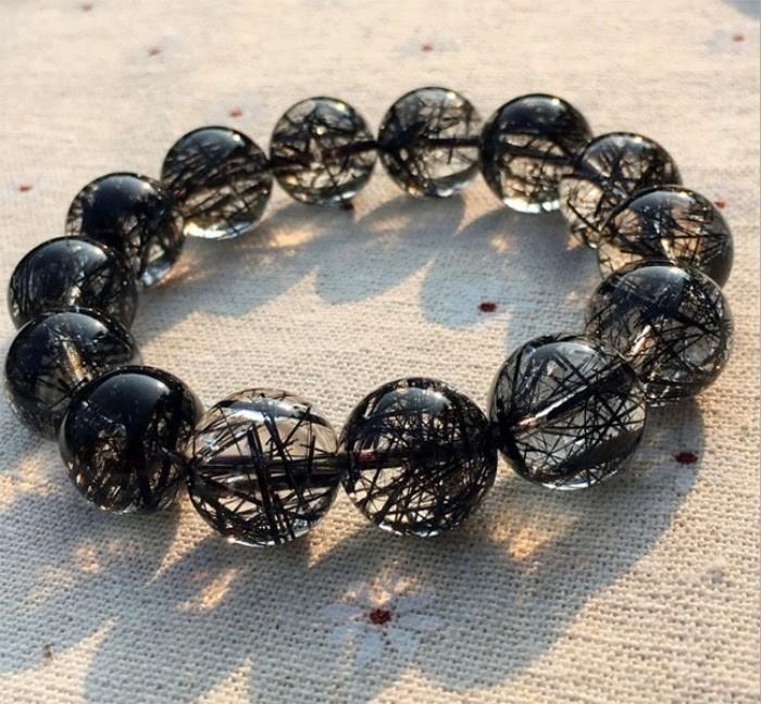 Top 8 loại đá quý màu đen đẹp nhất 8