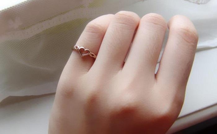 Nhẫn tình bạn đeo ngón nào bạn đã biết chưa? 4