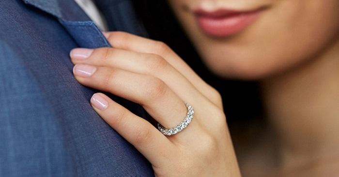 Ý nghĩa nhẫn cầu hôn và những điều bạn cần biết 2