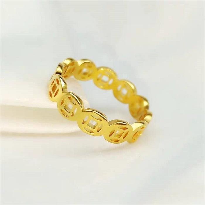 Nên đeo nhẫn vàng hay bạch kim thích hợp nhất? 1
