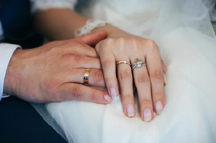 Tìm hiểu về nguồn gốc và ý nghĩa nhẫn cưới các cặp đôi 2