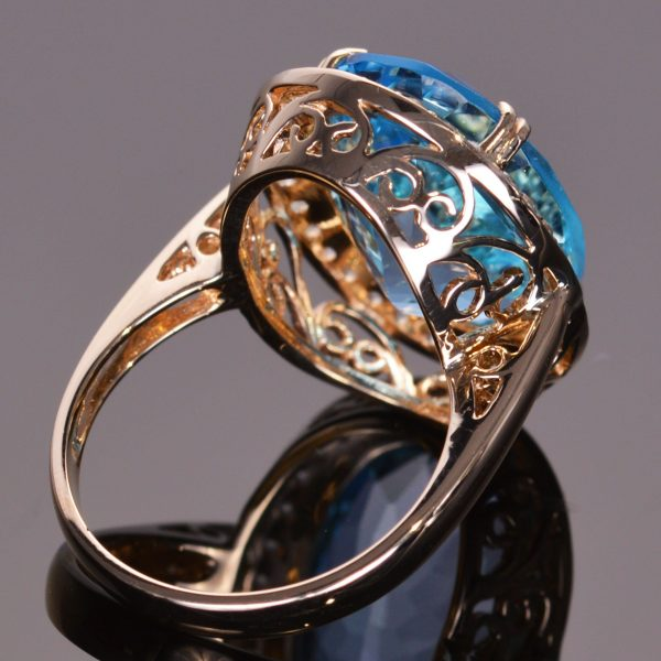 Blue Topaz and White Sapphire Cocktail Ring Set in 14kt Yellow Gold 2
