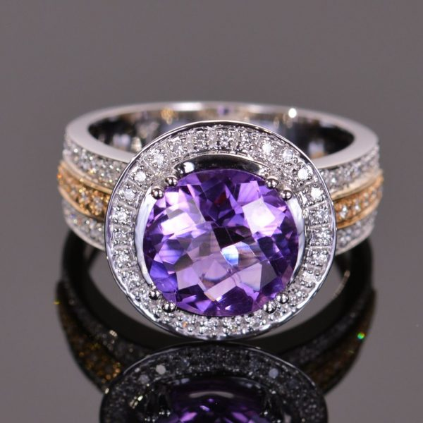 Cache Ring in Amethyst and Diamond 1