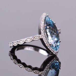 Aquamarine Marquise and Diamond Ring 4