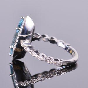 Aquamarine Marquise and Diamond Ring 5