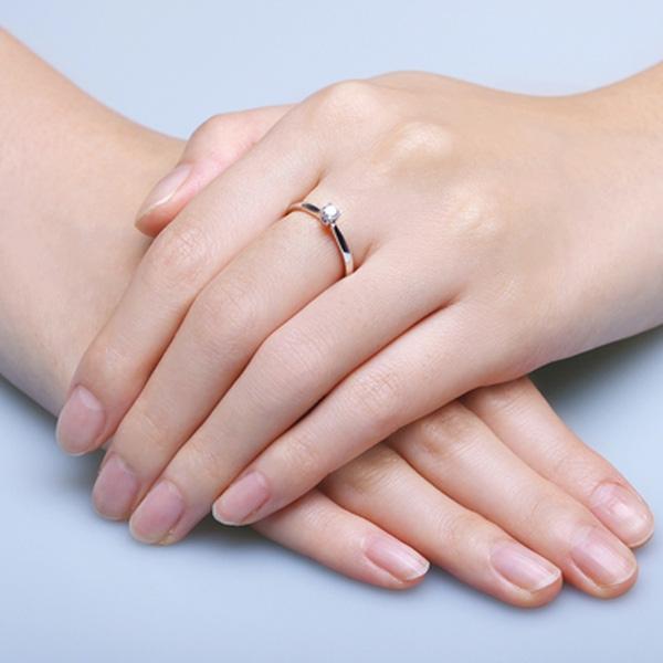 """Nên đeo nhẫn ngón nào để may mắn """"ầm ầm"""" kéo đến? - GUU.vn"""