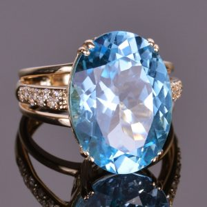 Blue Topaz and White Sapphire Oval Ring in 14k Yellow Gold 4