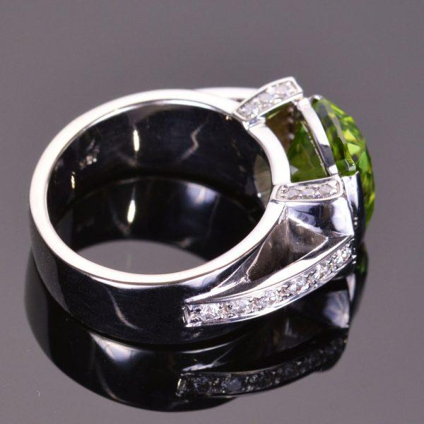 Cushion Cut Peridot and Diamond Modern Ring 2