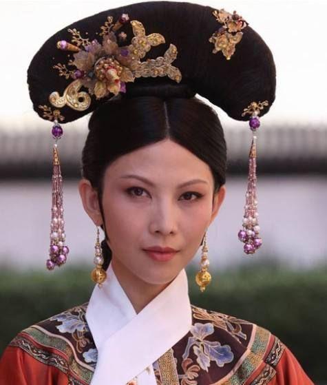 Những loại phục sức thể hiện đẳng cấp cao quý của các phi tần trong triều đình nhà Thanh