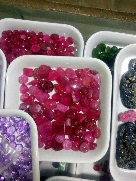 đá ruby và sapphire